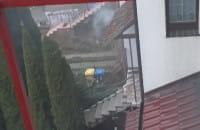 Te 4 wozy strażackie gaszą pożar na Migowskiej