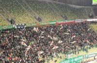 Lechia Gdańsk - Legia Warszawa 0:2. Flagi na trybunach