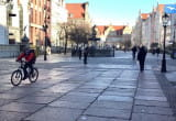 Puste ulice w centrum Gdańska
