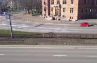 Niemal puste ulice w centrum Gdańska