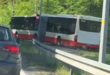 Autobus 179 zawraca na ul. Spacerowej w Gdańsku