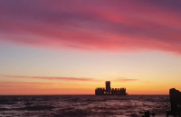 Gdyńska Torpedownia o zachodzie słońca