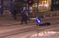 Brutalne pobicie w centrum Gdyni. Film zarejestrowany przez kamery monitoringu
