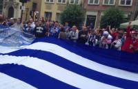 Grecy śpiewają pieśń polską kibiców