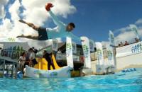 Wskocz do wody w przebraniu