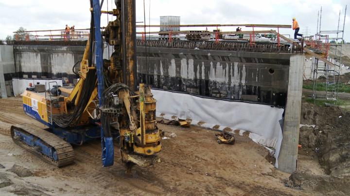 Zobacz m.in. prace przy budowie wiaduktów wciągu Trasy Sucharskiego na Rudnikach.