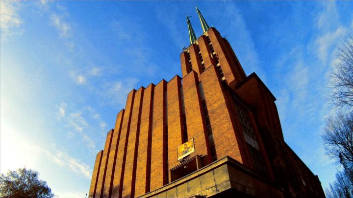 Do jego budowy zużyto milion dwieście tysięcy cegieł. Zobacz kościół franciszkanów wGdyni.