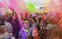 Festiwal kolorów pierwszą atrakcją lata
