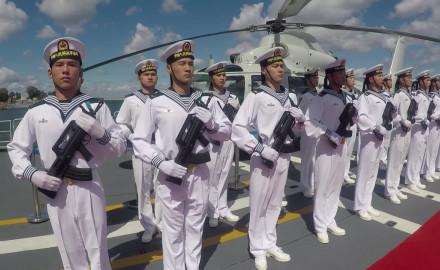 Z kamerą na pokładzie chińskiej fregaty
