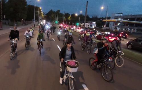 Nocny przejazd rowerowy przez Gdynię