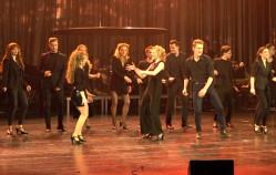 Efektowny występ śpiewających aktorów Muzycznego