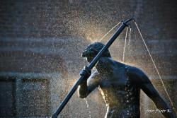 Pomnik - fontanna Studnia Neptuna