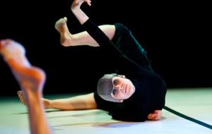 Ruch ponad opowieścią - o premierze Sopockiego Teatru Tańca