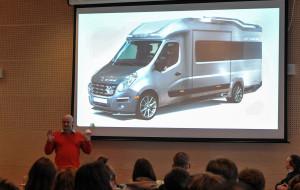 Janusz Kaniewski: Projektuję dla Ferrari, jeżdżę tramwajem