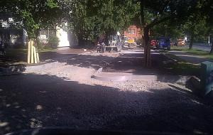 Deweloper buduje parking na miejskich gruntach