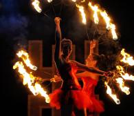 Ogień i taniec na festiwalu FROG w Gdyni