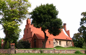 Zobacz średniowieczny kościół w Matarni