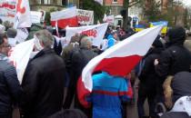Manifestacja pod rosyjskim konsulatem