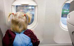 Czy leci z nami dziecko? Kilka praktycznych rad przed podróżą z maluchem