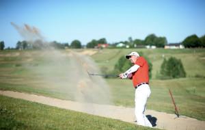 Swing, wood, tee. Golf dla początkujących