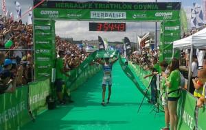 Niesamowity Raelert wygrał gdyński Triathlon
