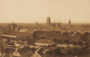 Kto wykonał najstarsze fotografie Gdańska: Beyer czy Flottwell?