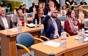 Rada miasta Gdyni w komplecie. 19-letnia studentka wśród debiutantów