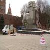 Pomnik walczących o Gdańsk umyty po blisko 10 latach