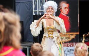 Sierpień melomani spędzą na festiwalach...