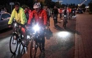 Gdynia rozświetliła się setkami lampek rowerowych