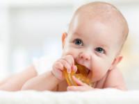 Jak dbać o zęby u niemowląt?