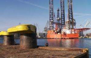 Przebudowa platformy Petrobaltic. Lotos szuka chętnych na nogi