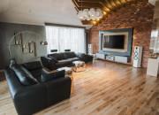 Jak oni mieszkają: nowoczesny apartament z widokiem na Motławę