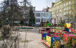 Szczątki sowieckich żołnierzy obok przedszkola
