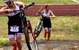 Triathlon silnych ciałem i niezłomnych duchem. Wystartowało 129 osób