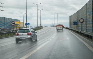 Gdzie zwolnić, a gdzie legalnie przyspieszyć na drogach w Trójmieście?