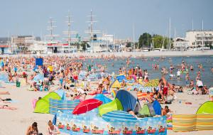 Wypoczywasz na plaży - zachowaj ostrożność