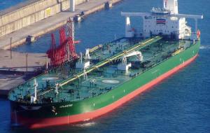 Supertankowiec płynie do Gdańska