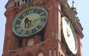 Alpinista pomagał naprawić zegar ratusza w Gdańsku