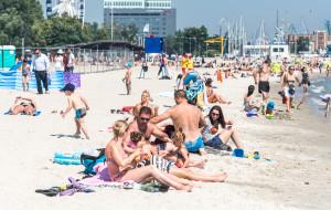 Taneczny poranek na plaży w Gdyni