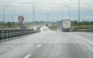 100 km/h na trasie Sucharskiego, w tunelu po staremu