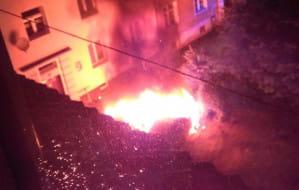 Podpalenia samochodów w Gdańsku. Jeden ze sprawców już w areszcie