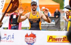 Michał Majka zwycięża triathlon w Malborku