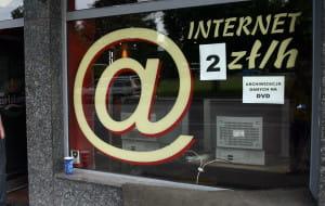 Gdzie się podziały kafejki internetowe?