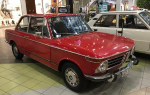 Odwiedź wystawę automobili