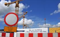 Optymizm w Rębiechowie: terminal rośnie, a...