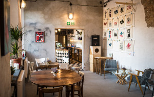 Nowe lokale: kawiarnia z włóczką i bistro w fabryce