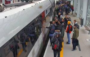 Pasażerowie wracają do PKM-ki