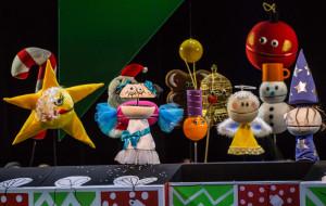 """Ozdoby choinkowe ratują święta. O """"Magicznych świętach Malwiny"""" w Teatrze Miniatura"""
