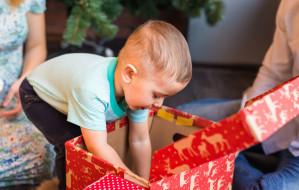 Jak kupić dziecku prezent i nie zwariować?